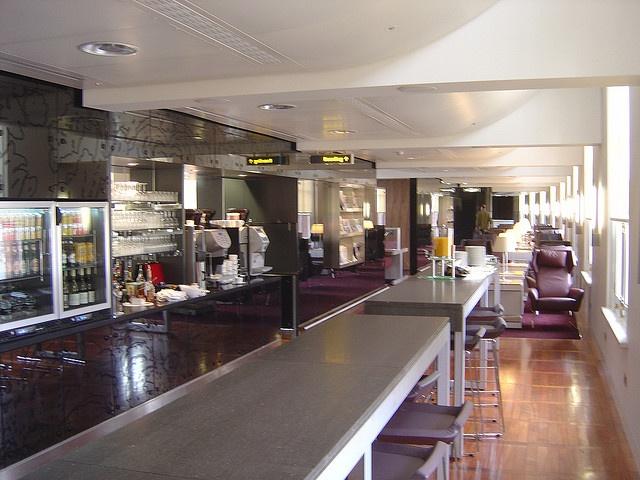 eurostar business premier lounge st pancras international railway station london tips for travellers