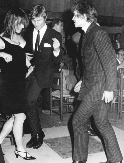Talitha with actor Michael York and ballet dancer Rudolf Nureyev in a Rome nightclub, 1966