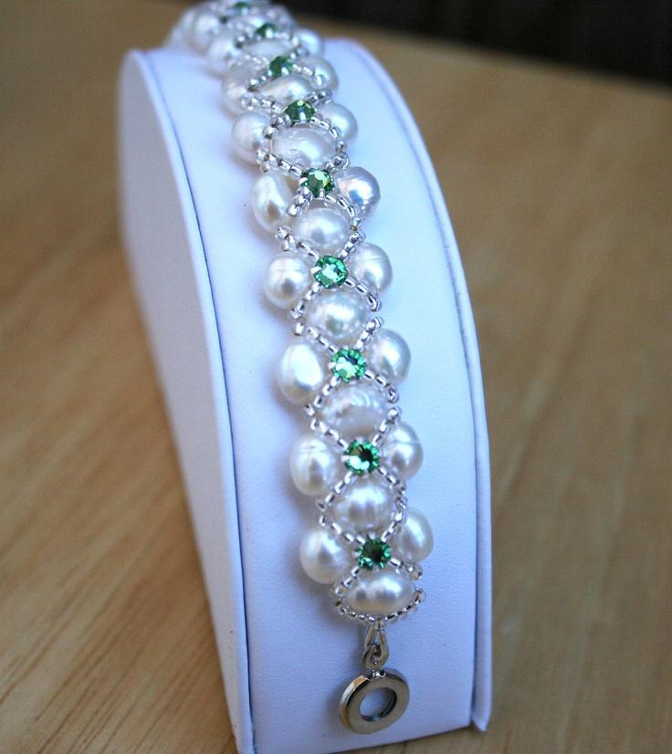 Freshwater Pearl and Peridot Swarovski Crystal Montee Beaded Bracelet.