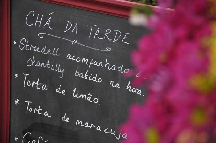 Casamento de Giovana e Daniel – Almirante Tamandaré/PR. Produção e decoração: Renata McCartney; Fotos: Gilson Camargo.