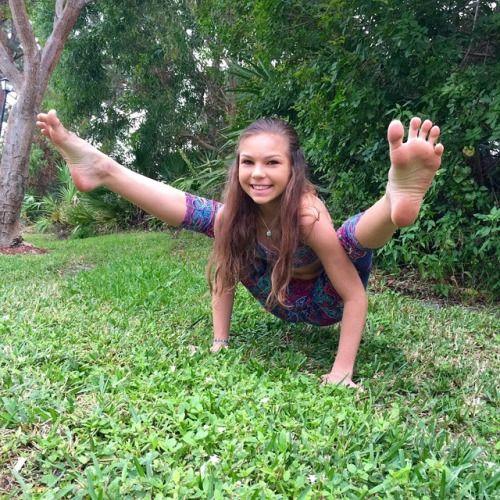 Teen Yoga Feet 113