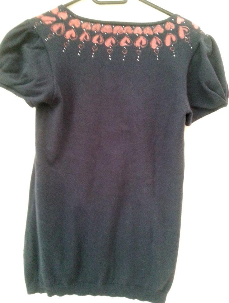 Maglietta con i cuori rossi (dietro) - pittura su stoffa