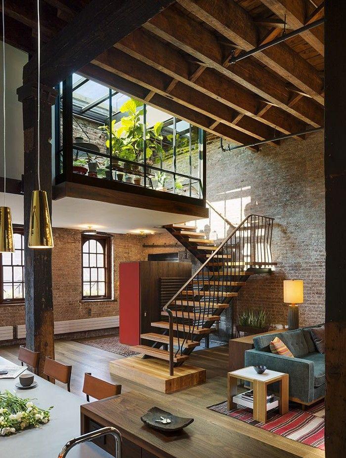meuble style industriel pas cher pour le salon style industriel et escalier d'intérieur en bois