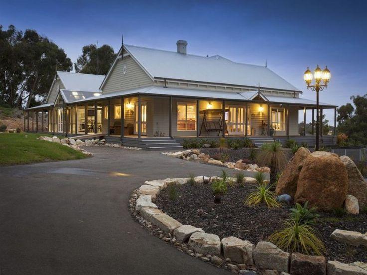 Stunning Pakenham pavilion sold for 1.23 on 5 acres.
