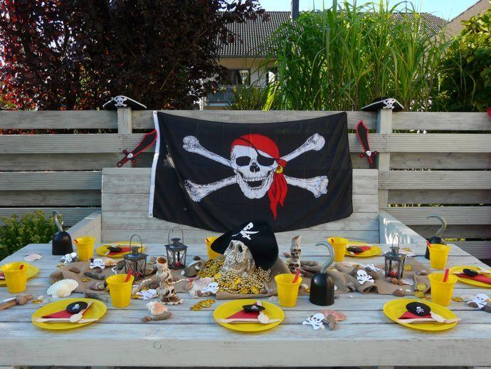 8 besten #Mottoparty - PIRATEN #Kindergeburtstag - #Mottobox - piratenparty deko kaufen
