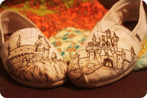 Disney TOMS - WANT!: Fashion, Clothing, Hogwarts Toms, Toms Shoes, Disney Castles, Potter Toms, Harry Potter, Closet, Disney Toms