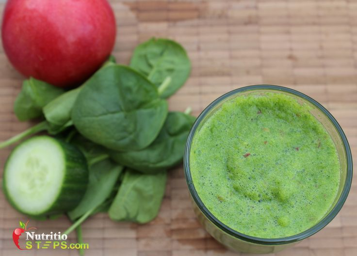 Nutrient Packed Cucumber, Apple and Ginger Green Smoothie