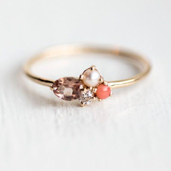 Erröten Mini Cluster Ring in 14 k Gold / / von MelanieCaseyJewelry