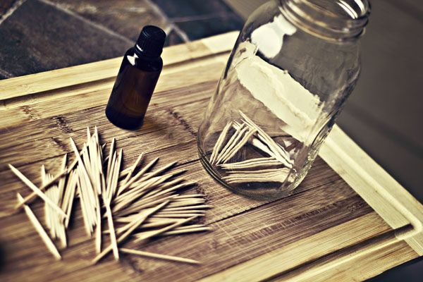 DIY-Everything you need for homemade flavored toothpicks-I love the idea of making my own!