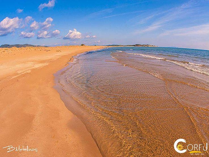 Πολύ μεγάλη παραλία με μήκος περισσότερο από 3 χλμ και πολύ πλατιά. Αν και μεγάλη παραλία είναι ανοργάνωτη με παντελή έλλειψη τουριστικών υποδομών...