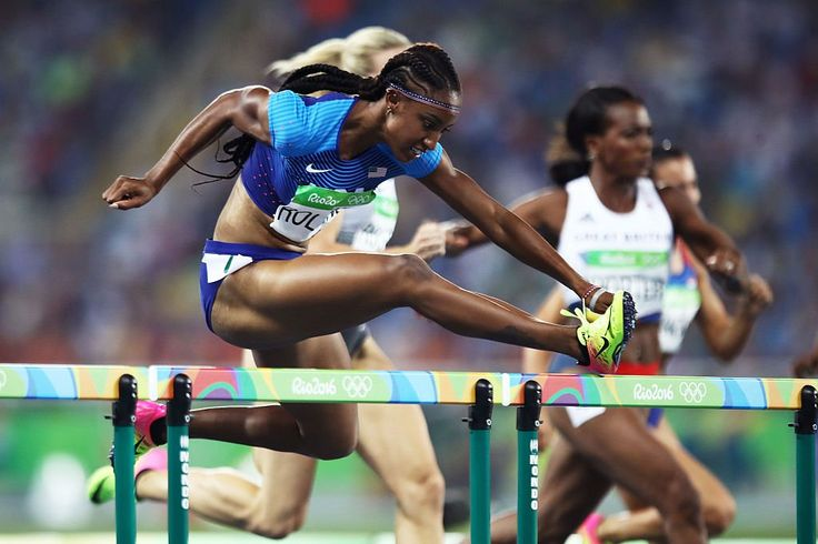 USA complete 1⃣2⃣3⃣ podium sweep in the women's 100m hurdles! Brianna Rollins, Kristi Castlin, Nia Ali