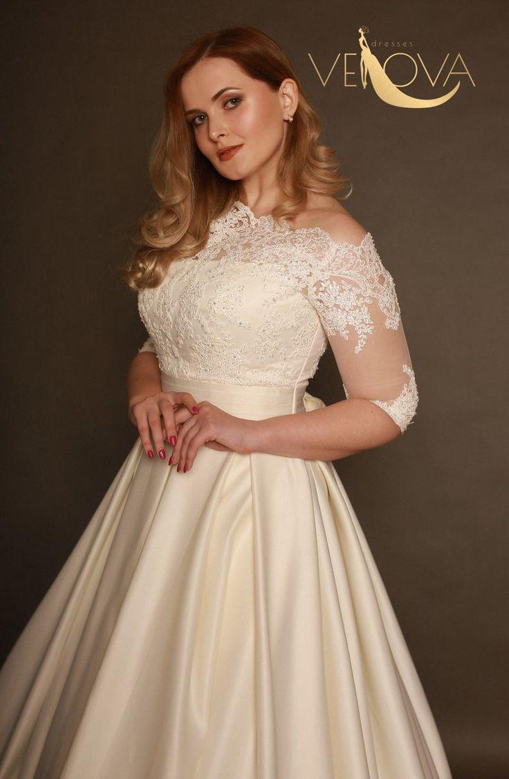 Plus Size Wedding Dress Long Sleeve Etsy Wedding Dress Long Sleeve Long Wedding Dresses Long Sleeve Wedding [ 1126 x 736 Pixel ]