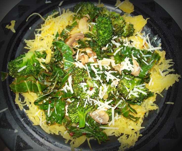 I'm Living the Good Life: 100 Calorie Meal ~ spaghetti squash, kale, and more!