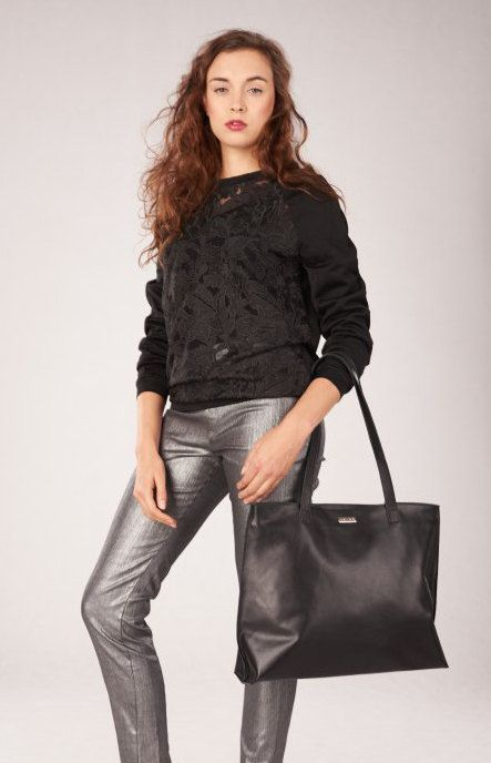 Black leather tote. This multifunctional tote is perfectly crafted with luxury italian leather. Ideal for work or weekend shopping trips, simply carry
