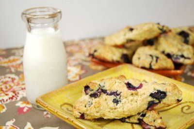 healthy blueberry scones from @LeanGrnBeanBlog #fitfluential