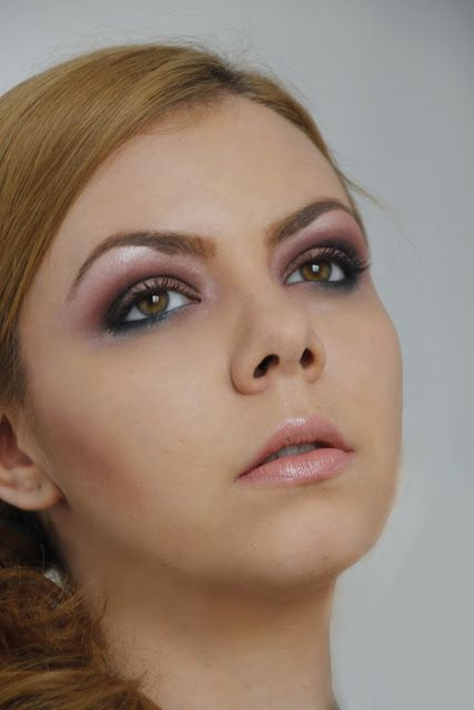 Soft smokey eyes: http://ozfashionista.blogspot.ro/2013/06/machiaj-de-seara-soft-smokey-eyes.html