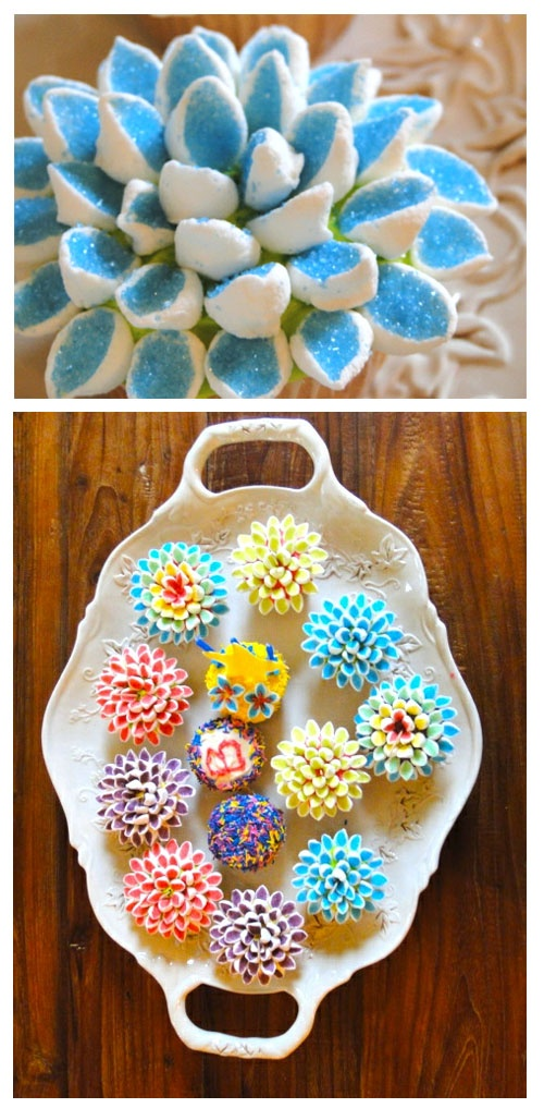How adorable are these cupcakes - the marshmallows are cut on a diagonal and dipped in sprinkles. Love them!    via http://www.lynneknowlton.com/2012/01/03/how-to-be-a-blog-hussy/: 500 1 017 Pixels, Cup Cakes, Flower Cupcakes, Cupcake Decorations, Cupcakes Cakes Pies Tarts, Cake Cupcakesmallcake, Marshmallow Cupcakes, Cake Decorating