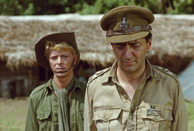 Still of David Bowie and Tom Conti in Merry Christmas Mr. Lawrence