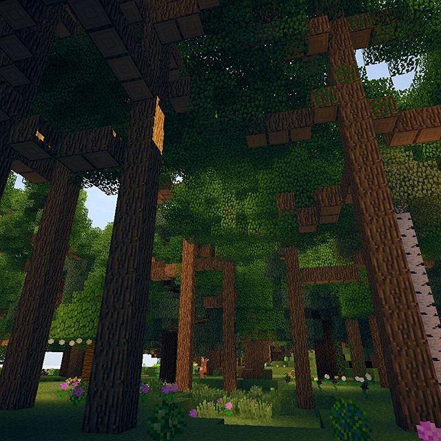 【takumin.jp】さんのInstagramをピンしています。 《□ 森盛その3。modによって通常よりも気のサイズが大きくなっている。木こりがうなるぜ。 ・ #マインクラフト #minecraft #shaders #mcpc #minecraftlife #ゲーム #game #森林》