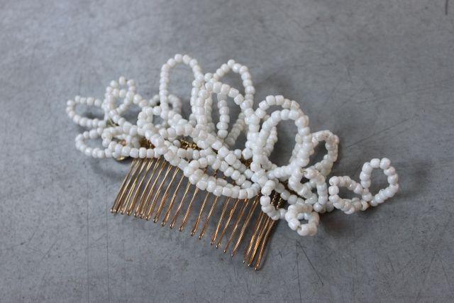 Decolove Frozen Petals Bridal Comb handmade from glass beads and brass