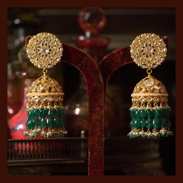The classic Sabyasachi jhumka. Made in 22k gold, uncut diamonds, Japanese culture pearls and Zambian emeralds. For all jewellery related queries, kindly contact sabyasachijewelry@sabyasachi.com #Sabyasachi #SabyasachiJewelry #TheWorldOfSabyasachi