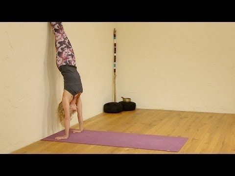 ▶ Build up Upper Body Strength in just 10 min, Yoga with Esther Ekhart - YouTube