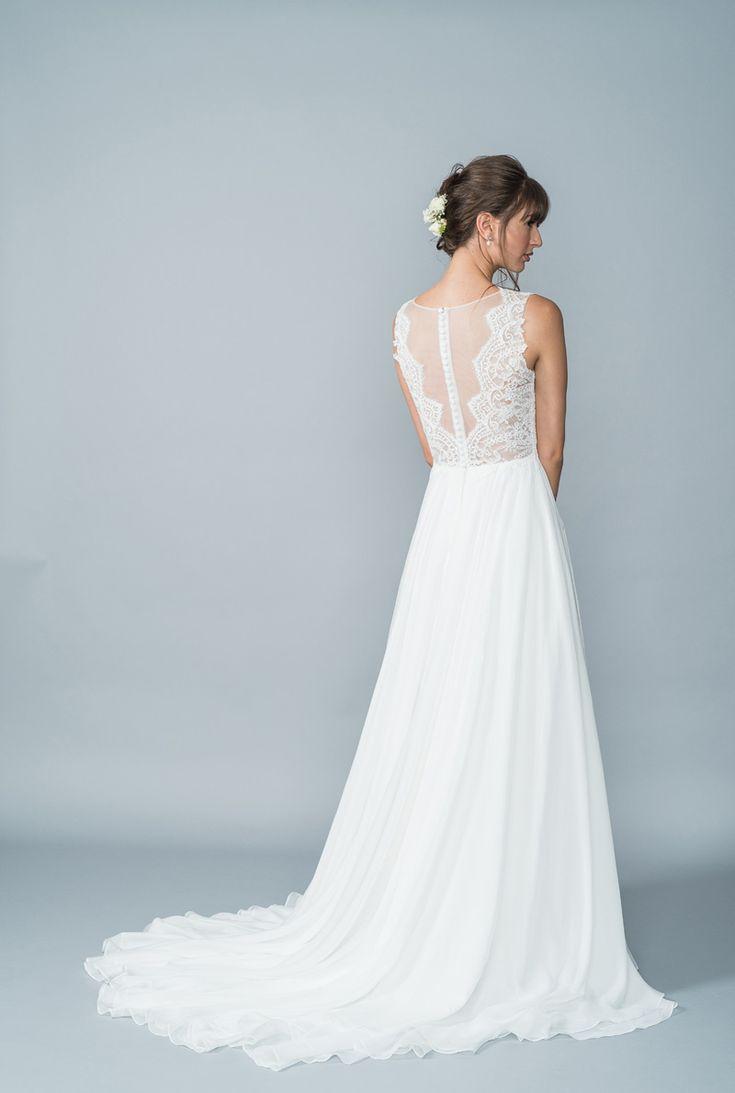 23 best Lis Simon images on Pinterest   Short wedding gowns, Wedding ...