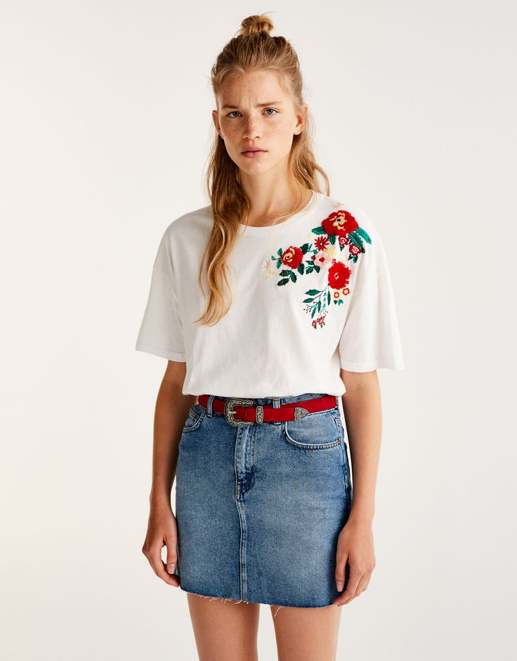 Pull&Bear - dames - kleding - trendy - t-shirt met bloemenborduursel schouder - ijs - 09235328-I2017