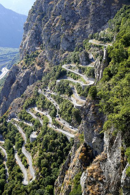 the lacets de montvernier