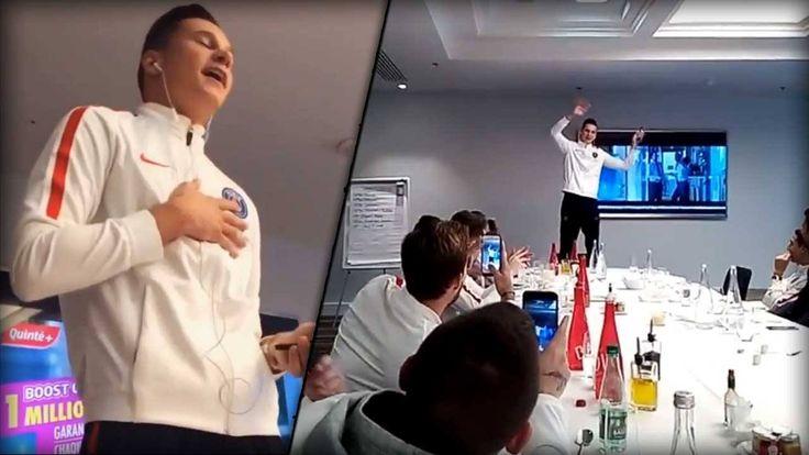 Hier kommt eine echte Video-Perle: Julian Draxler muss zum Einstand bei Paris ein Lied singen.   Fazit: Sie haben ihn ja zum Fußballspielen gekauft.