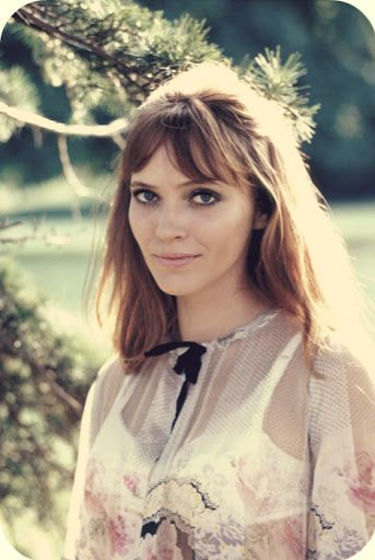 Anna Karina love her hair x