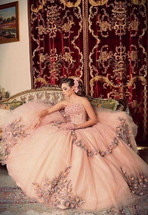 Wunderschönes Kleid!