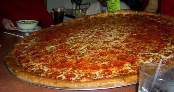 Big Lou S Pizza San Antonio 47 Quot Pizza As Seen On Man Vs