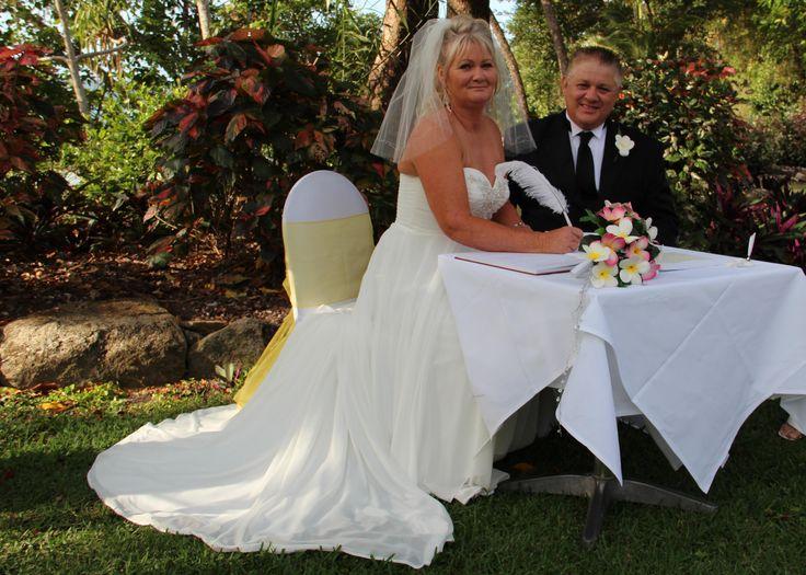 Fitzroy Island - couple from Mount Isa. www.rhapsodyceremonies.com.au