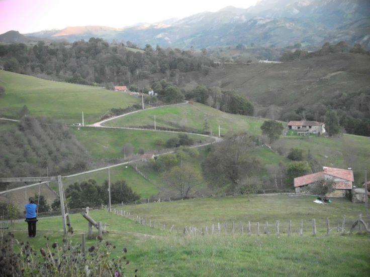 Valle de Mestas de Con, comarca del oriente Asturiano.  #odalcaminar, #edocum1314, #mestasdecon, #Asturias,