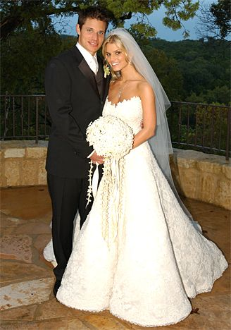 Jessica Simpson wore Vera Wang for her wedding to Nick Lachey in 2002. My favorite celeb dress! : )