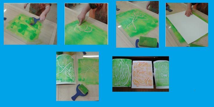 Leuke techniek: * Rollen met verfrolletje * Tekenen op het beschilderde plexiglas * Afdruk maken met papier  = Prachtig resultaat