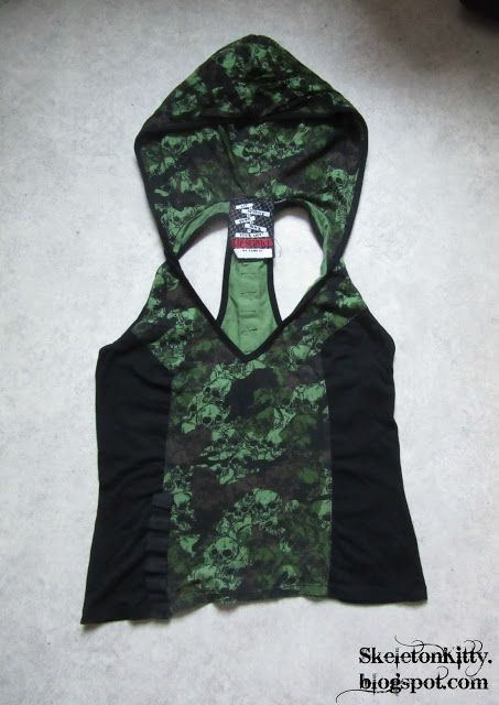 """LIP SERVICE Fatal Fatigues """"Stop The City"""" hooded top #56-281"""