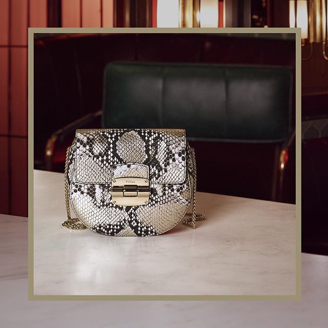 Wild design: discover the new Furla Club bag from our Cruise 18 collection at #thefurlasociety. Link in bio.   #furlafeeling #furla #holiday #campaign #newcollection #furlacruise18