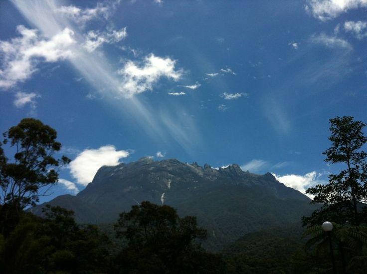 Mount Kinabalu, Sabah: Lees beoordelingen van echte reizigers zoals jij en bekijk professionele foto's van Mount Kinabalu in Sabah, Maleisië op TripAdvisor.