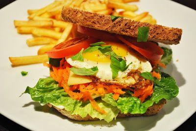 Küchenzaubereien: Knuspriges Sandwich mit Gemüse & Spiegelei