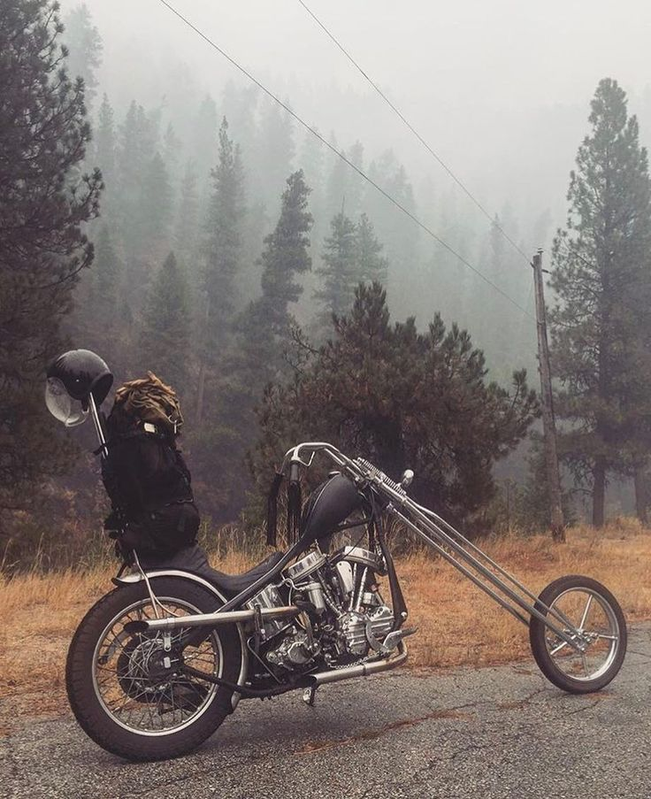 Pretty damn spectacular shot @mattsouth Want the new Dead Goons t-shirt!?!? Of course you fuckin do!! Link is in our bio #deadgoons   #bobber #chopper #bobbers #choppers #ftw #mamatried #america #fuckyeah #choppershit #scumbag #whiskey #forevertwowheels #harleydavidson #builtnotbought #tracker #circletrack #hooligan