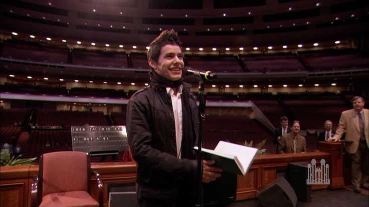 "David Archuleta sings ""Be Still My Soul"" to the Mormon Tabernacle Choir--absolutely celestial, save for a rainy day"