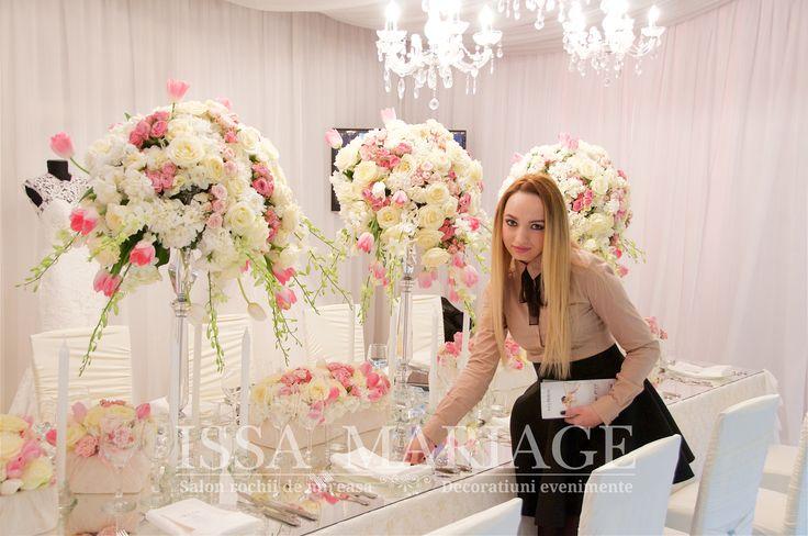 Eveniment nunta sfesnice cristal cu aranjamente florale IssaMariage 2017
