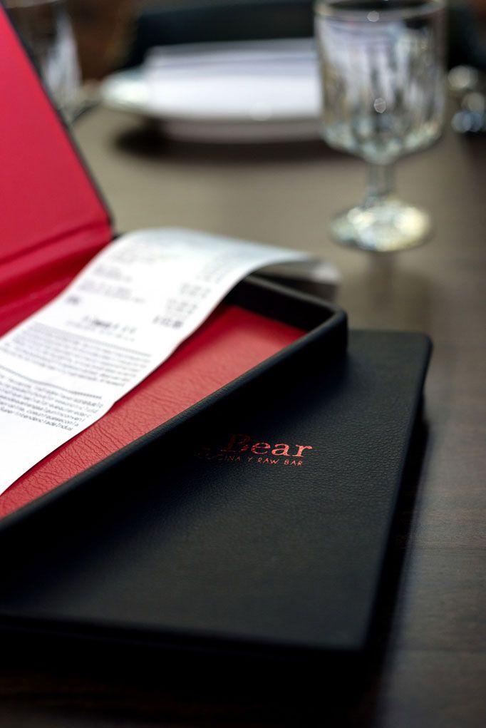 Подача счета в ресторане картинки