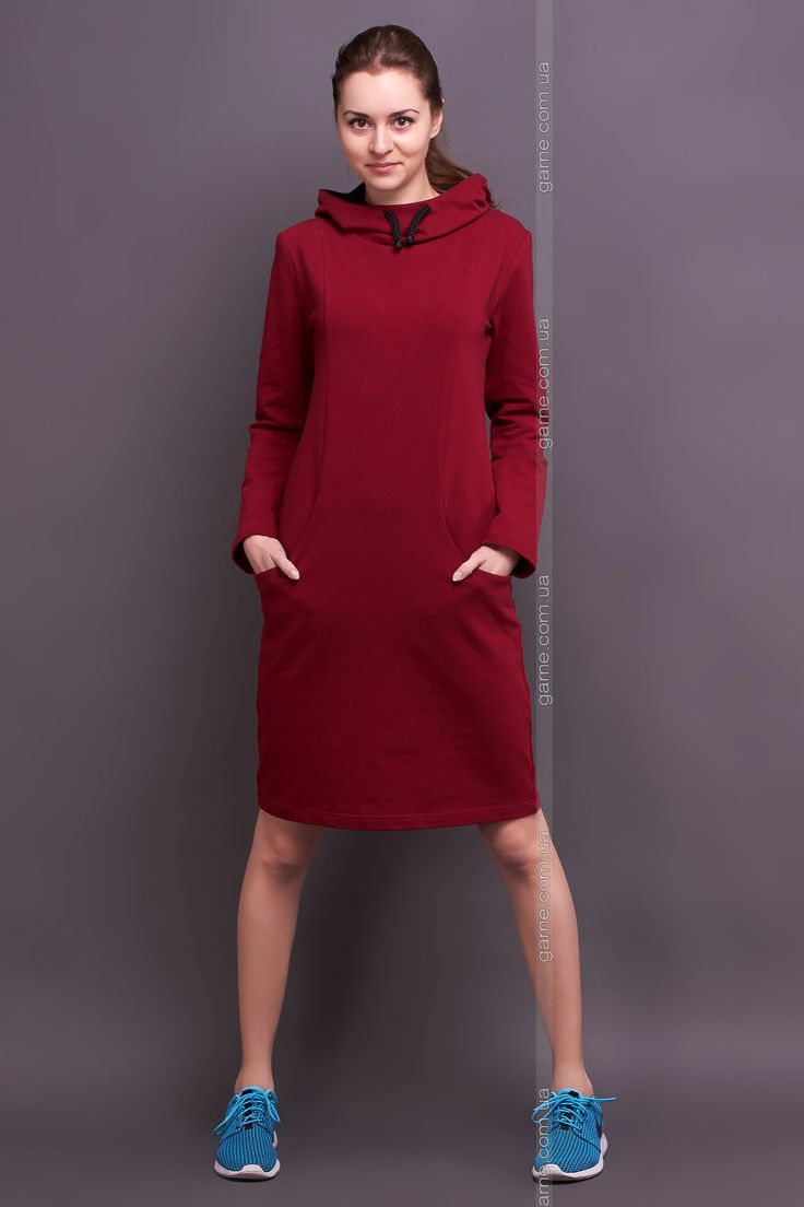 Платье с капюшоном. Платья: Garne - артикул: 3030101.