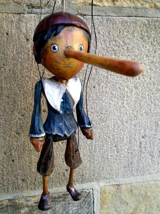 Ruzicka Brothers – czech woodcarvers, carving of puppets and marionettes