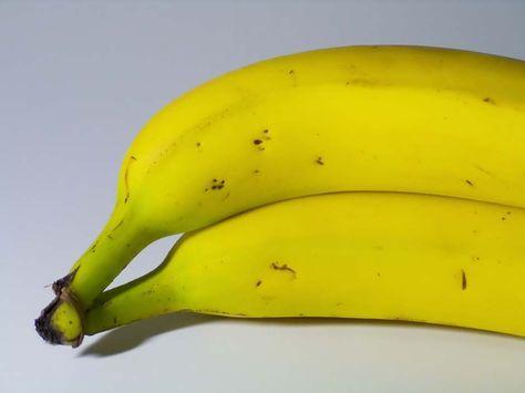 Het klinkt raar maar je leest het goed: banaan door de soep. Even wennen maar het smaakt prima. Ingredienten voor Kerriesoep met banaan 1 liter kippenbouillon 2 tl. Kerriepoeder (mag best een scherpe kerrie zijn) 1 tl. Paprikapoeder 2 bananen Scheutje slagroom (of een andere soort room) Croutons 25 gram maizena (om de soep te [...]