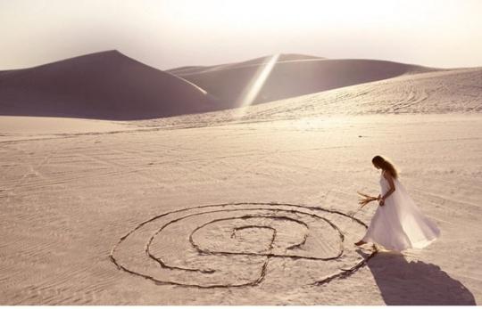 Customized Wedding Dresses: Hot Sun, Wedding Inspiration, Wedding Dressses, Moroccan Deserts, Brides Dresses, Photoshoot Inspiration, Moroccan Brides, Deserts Wedding, Wedding Bride