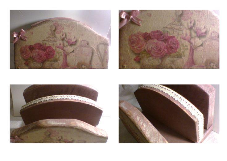 Shabby rózsás asztali irattartó 3,200 Ft